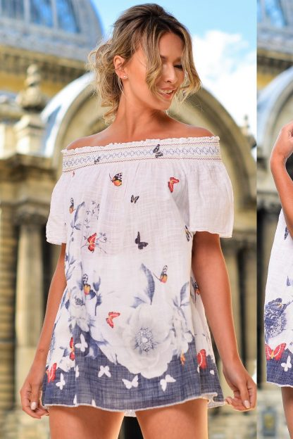 Bluza alba cu imprimeu floral si fluturi