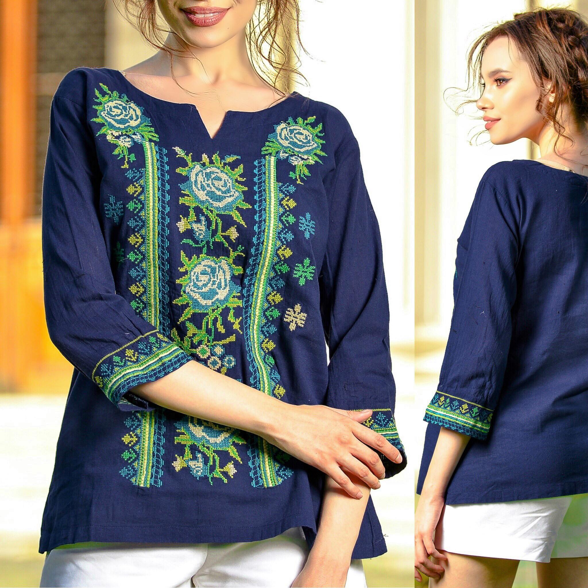 Bluza bleumarin cu flori brodate - Brandusa 02