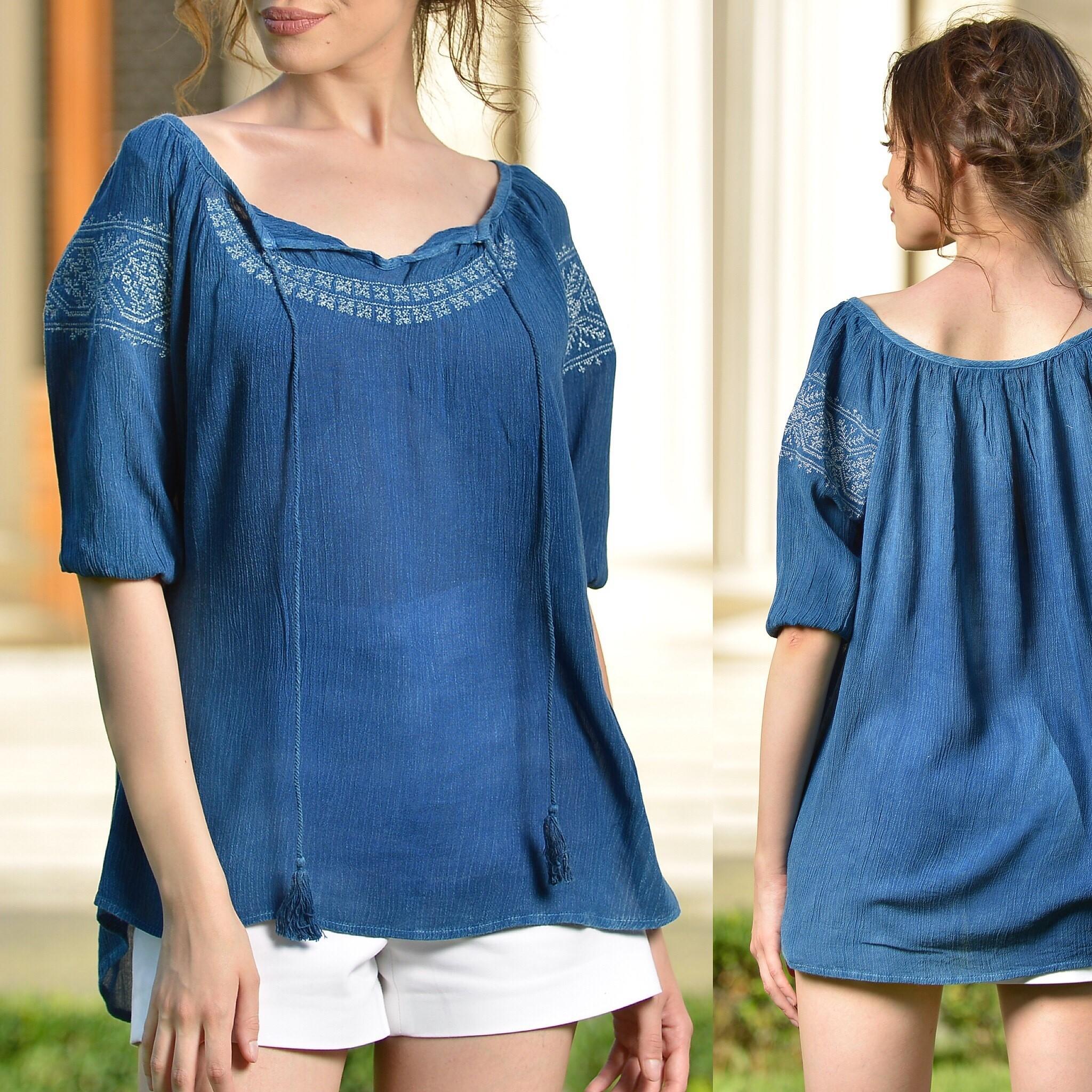Bluza tip ie albastra cu broderie - Raluca 02