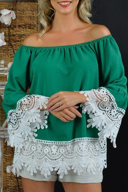 Bluza vaporoasa verde cu dantela brodata