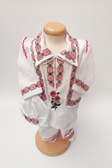 Compleu traditional baietel Bogdan 2