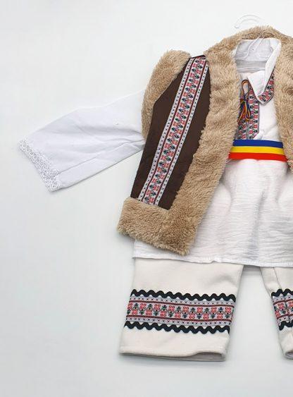 Compleu traditional baietel Titi 2