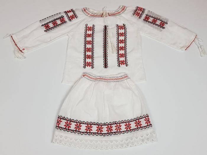 Compleu traditional fetite Ruxandra