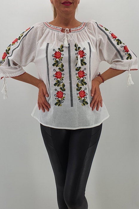 Ie Traditionala Bogdana
