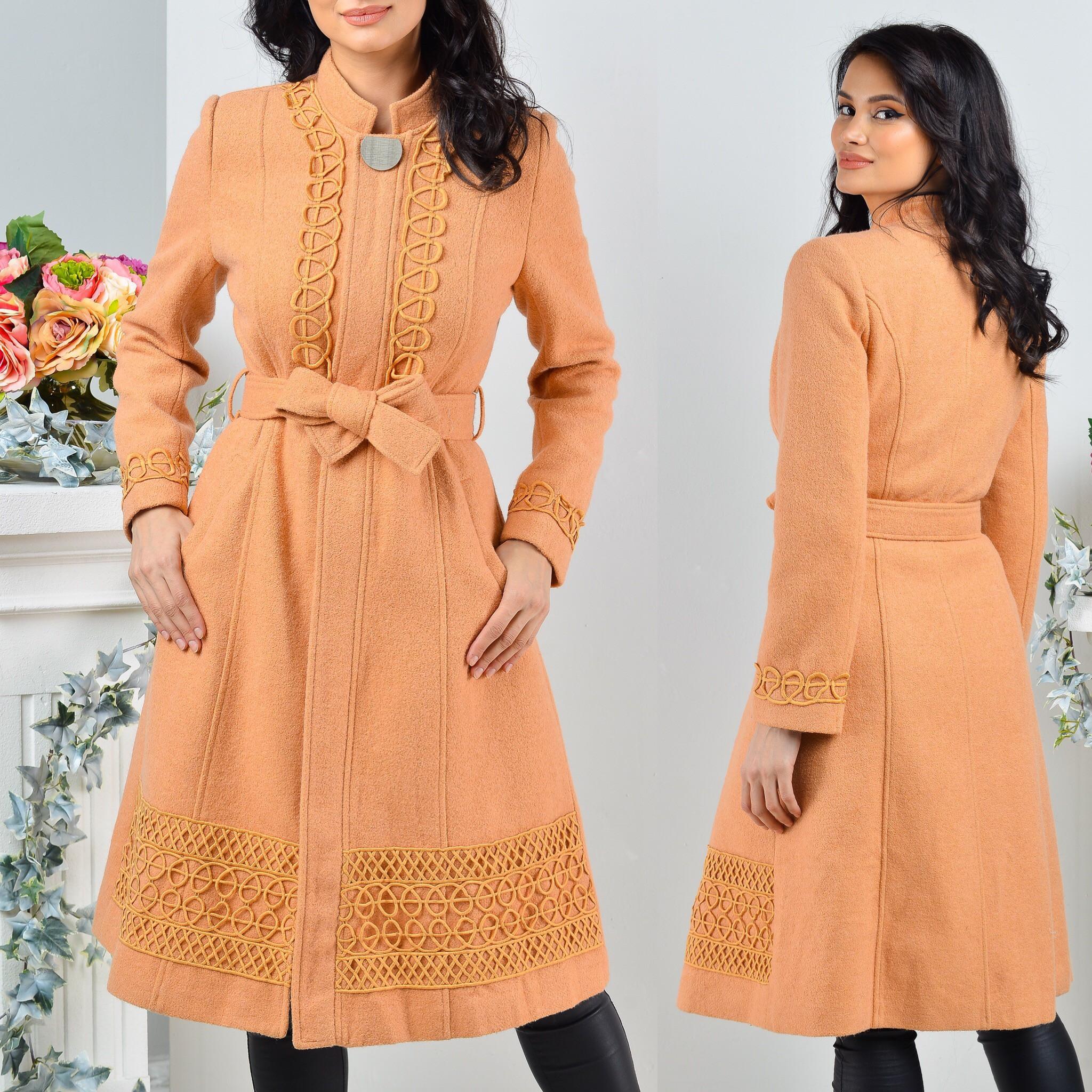 Palton din stofa de lana brodat - crem