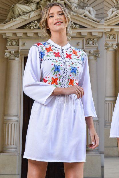 Rochie alba cu guler tunica si broderie florala