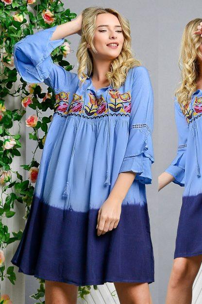 Rochie tip ie bleu in degrade cu flori brodate