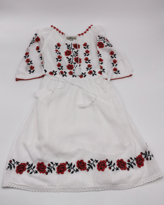 Rochie traditionala fetite Ina