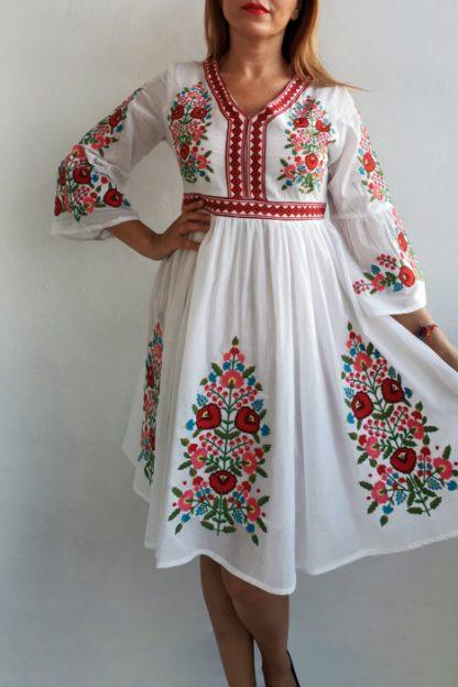 Rochie Traditionala Fiorela 3