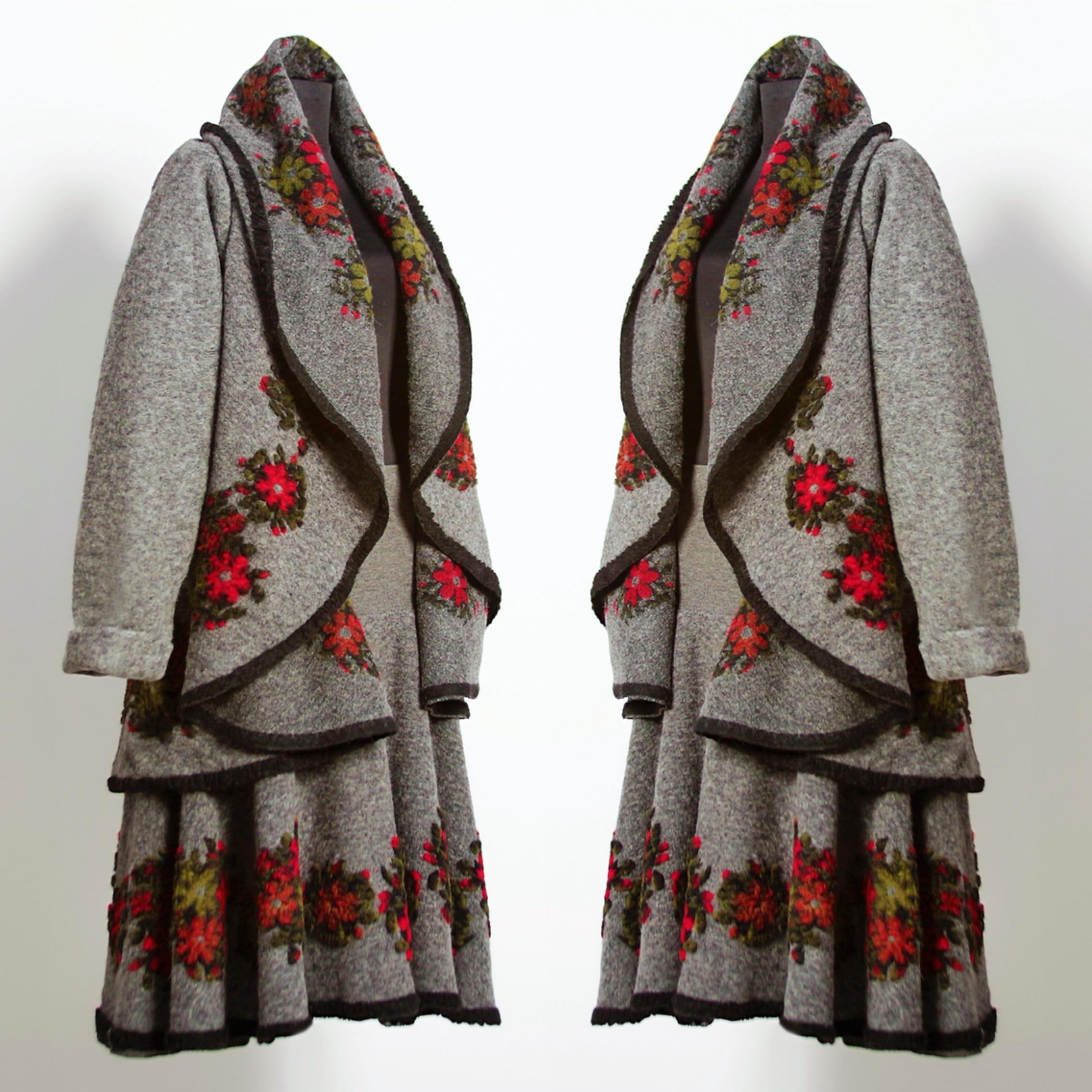 Set compus din poncho si fusta din lana - gri